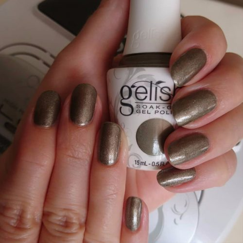 Gelish Manicure are you lion to me glitter shimmer nails